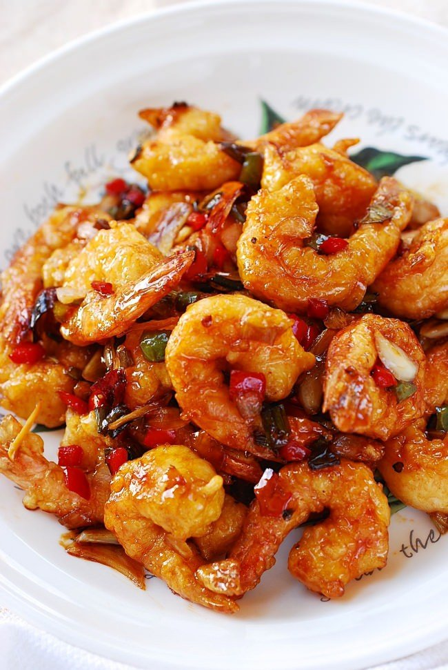 Kkanpung Shrimp (Sweet and Spicy Shrimp)