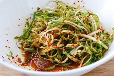 DSC 0801 e1463372179784 - Pa Muchim (Scallion Salad)