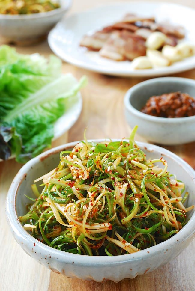 Pa muchim (scallion salad)