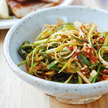 Pa muchim (scallion salad)
