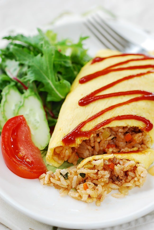 Omurice (omelette rice) recipe