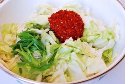 DSC 2049 e1470536559833 - Yangbaechu Kimchi (Green Cabbage Kimchi)