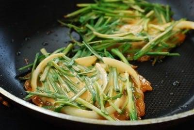 DSC 0483 e1473220054300 - Buchujeon (Garlic Chive Pancakes)