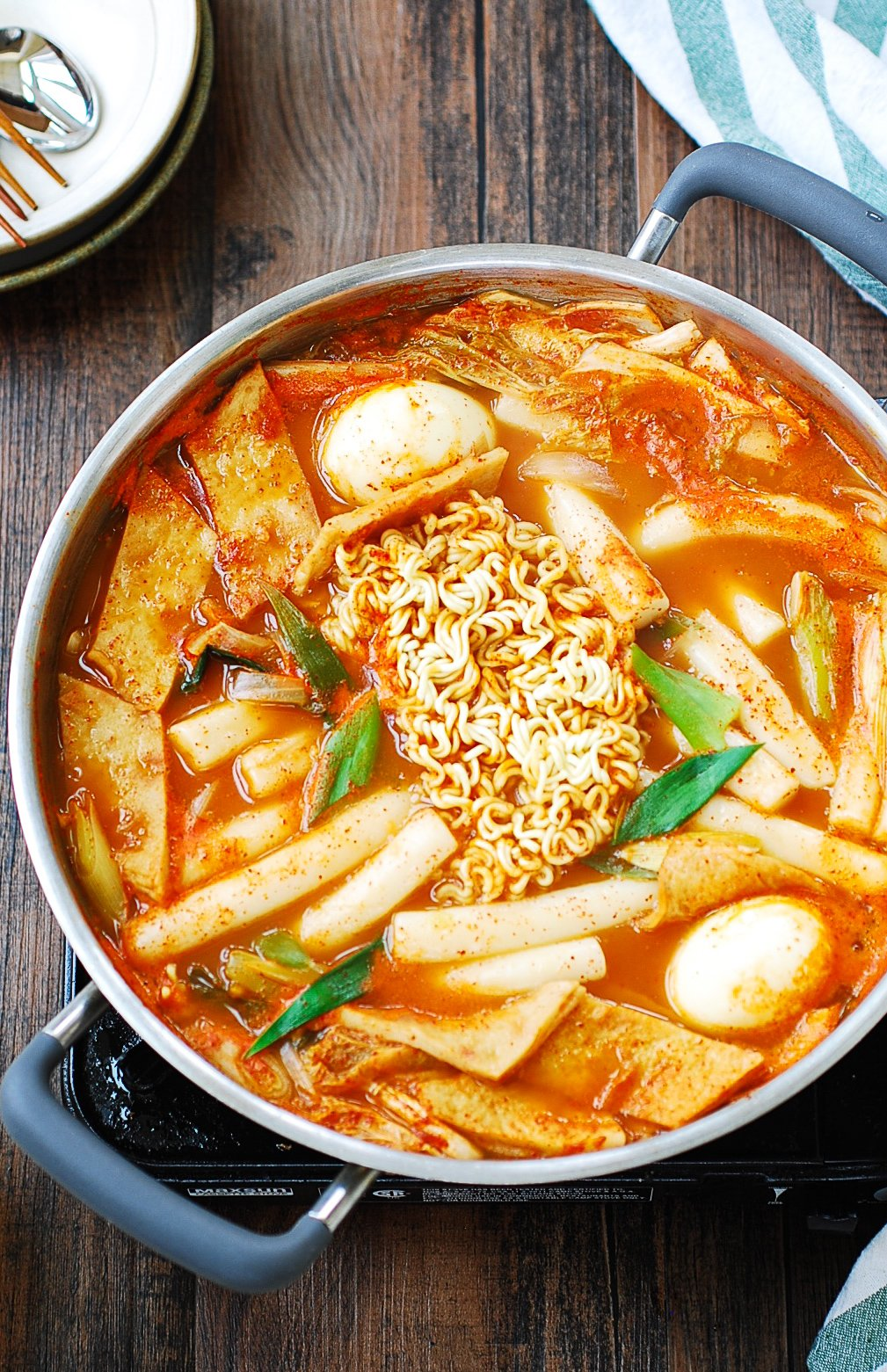 DSC 1819 2 - Soupy Tteokbokki (Spicy Braised Rice Cake)