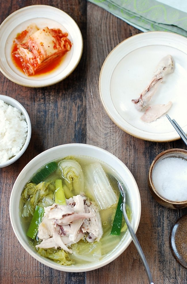 Slow cooker chicken soup with napa cabbage