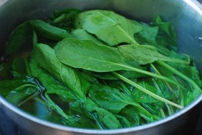 Spinach doenjang soup