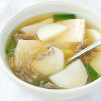 Gamjaguk (Korean Potato Soup)