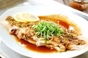 Hongeojjim (steamed skate fish)