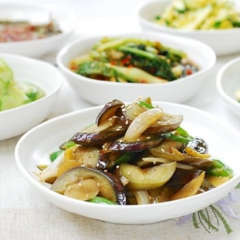 Gaji Bokkeum (Stir-fried eggplant)