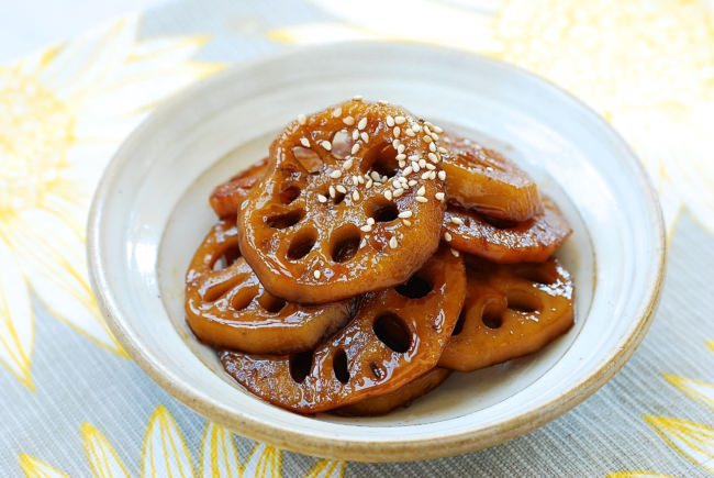 DSC 1890 1 e1506347835595 - Yeongeun jorim (Sweet Soy Braised Lotus Roots)