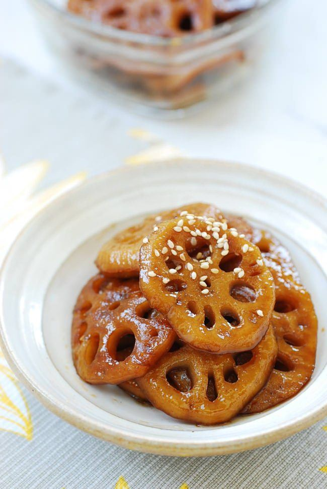 DSC 1901 e1506307894686 - Yeongeun jorim (Sweet Soy Braised Lotus Roots)