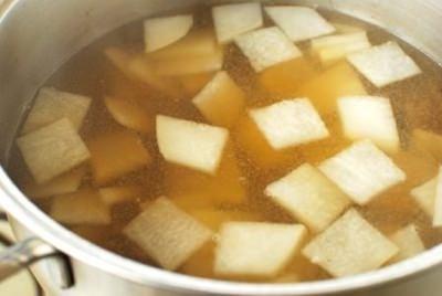 Mu guk (Radish soup)