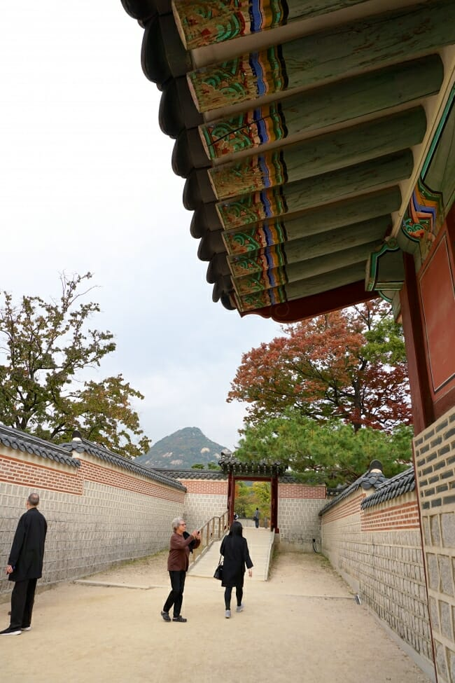 Korean Traditional colorful roof at Gyeongbokgung palace - Seoul