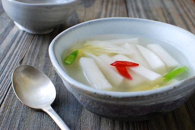 refreshing radish water kimchi
