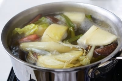 Boiling vegetables in a pot