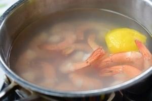 Poaching shrimp in a pot