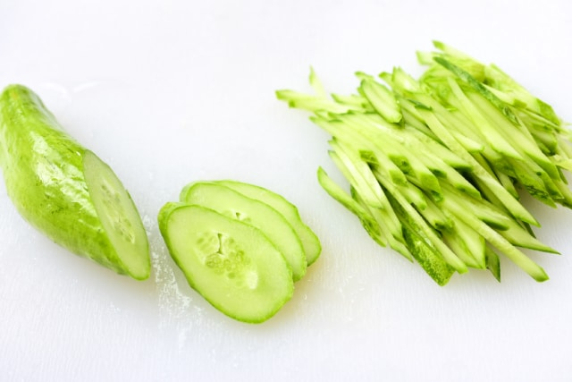 DSC 4903 2 640x427 - Oi Naengguk (Chilled Cucumber Soup)