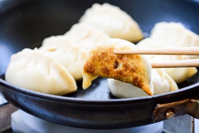 DSC6577 640x427 - Shrimp Dumplings (Saeu Mandu)