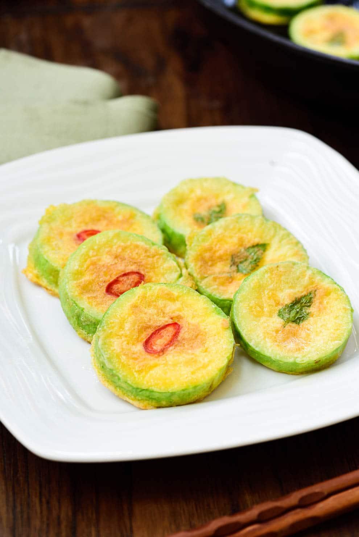 DSC1000 2 - Hobak Jeon (Pan-fried Zucchini in Egg Batter)